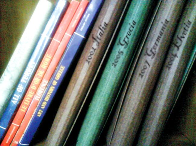 dosare calatorii in biblioteca
