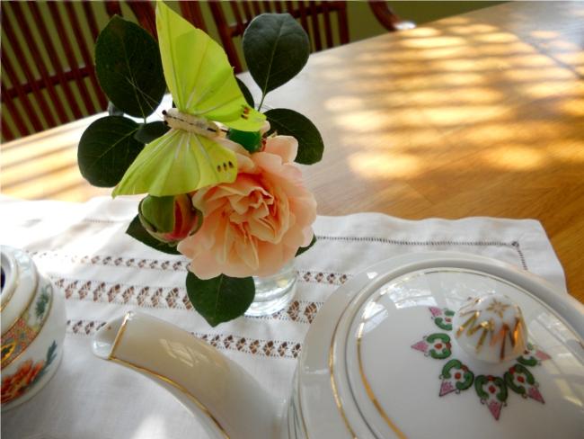 trandafir si cafetiera roz
