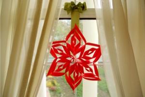 Ornament pentru ferestre - stea de hartie