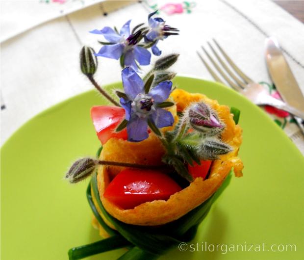 Omleta ornata cu borago