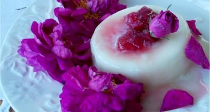 dulceata de trandafiri cu pannacotta