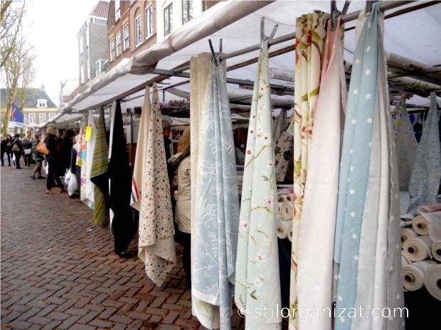Utrecht textil market
