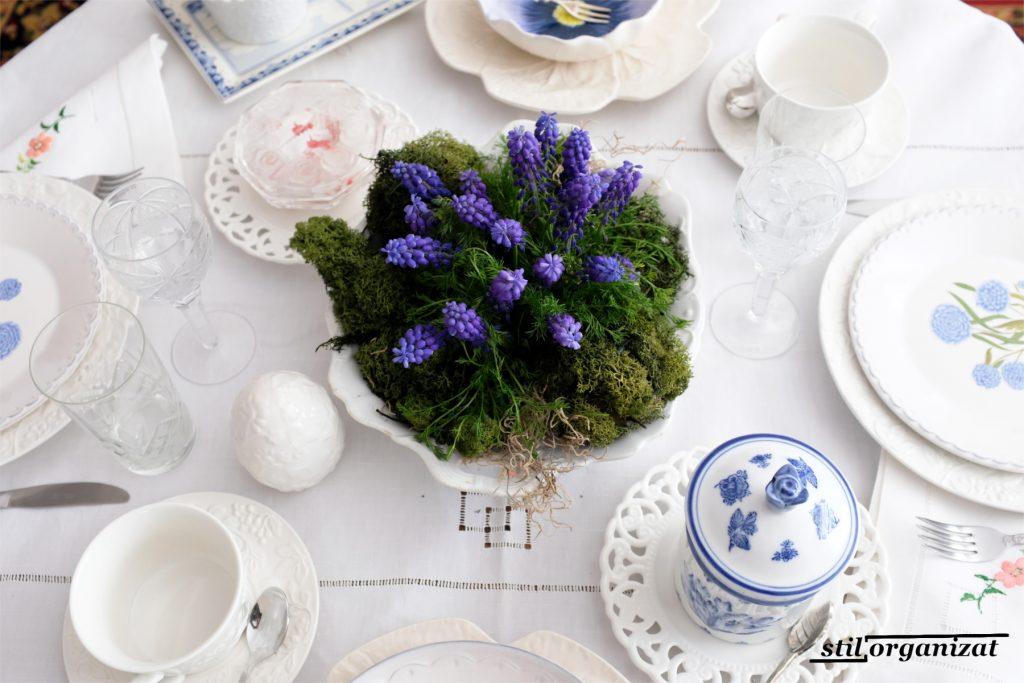 masa festiva cu flori