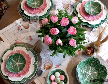 masa festiva de primavara in roz si verde