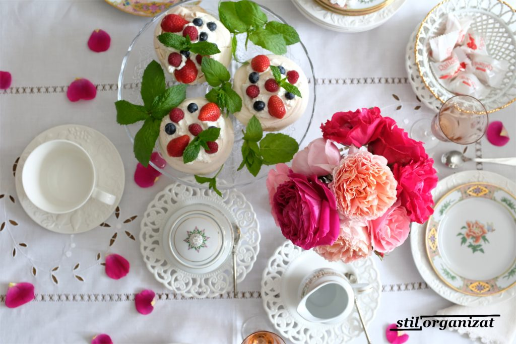 tablescape with roses