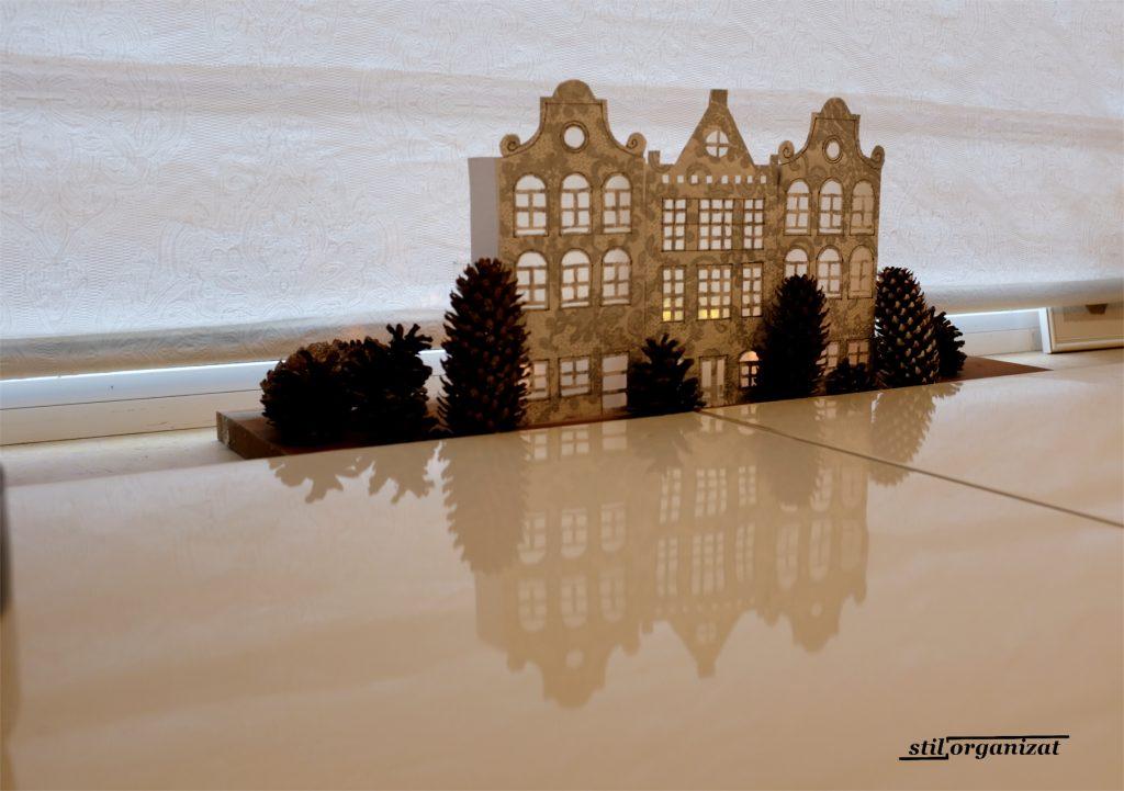 luminite festive cu case olandeze