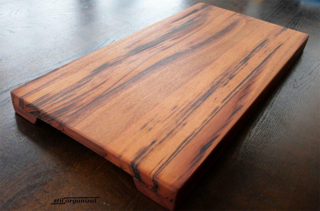 platou din lemn de cires