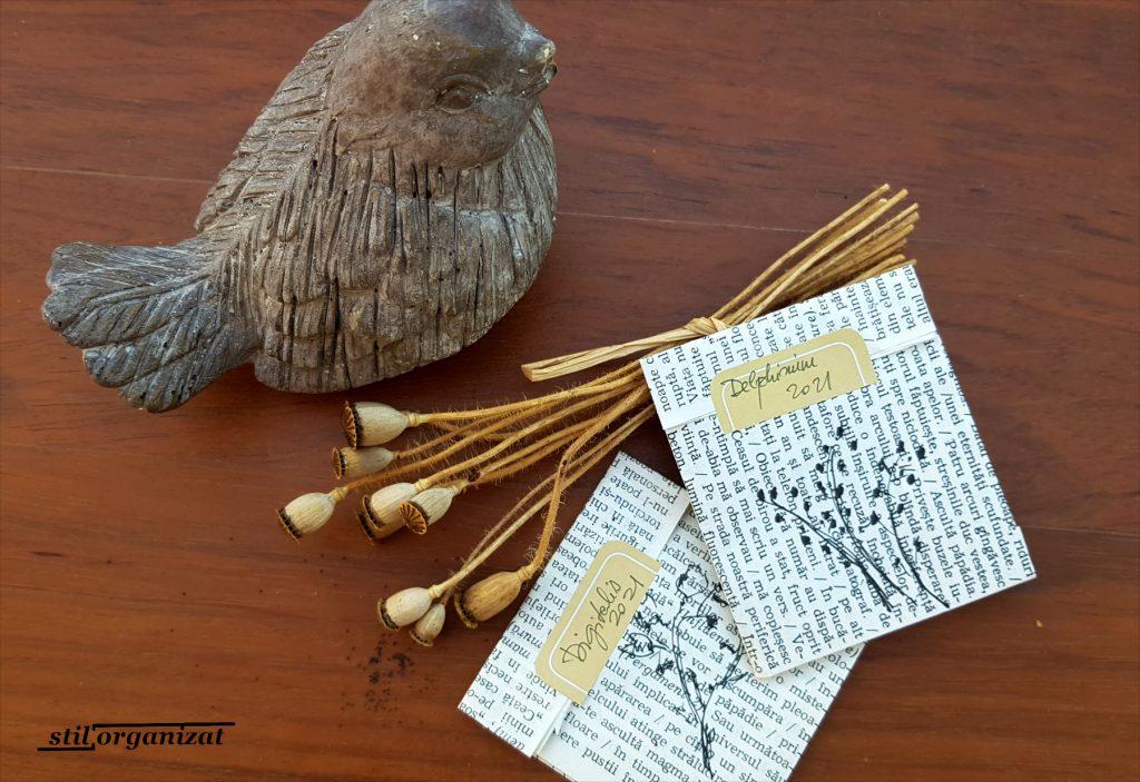 plicuri cu seminte din file de carte