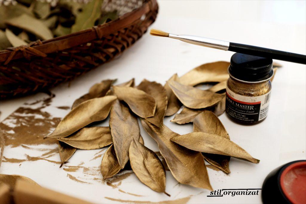 coronita din carton si mirodenii - frunze aurite